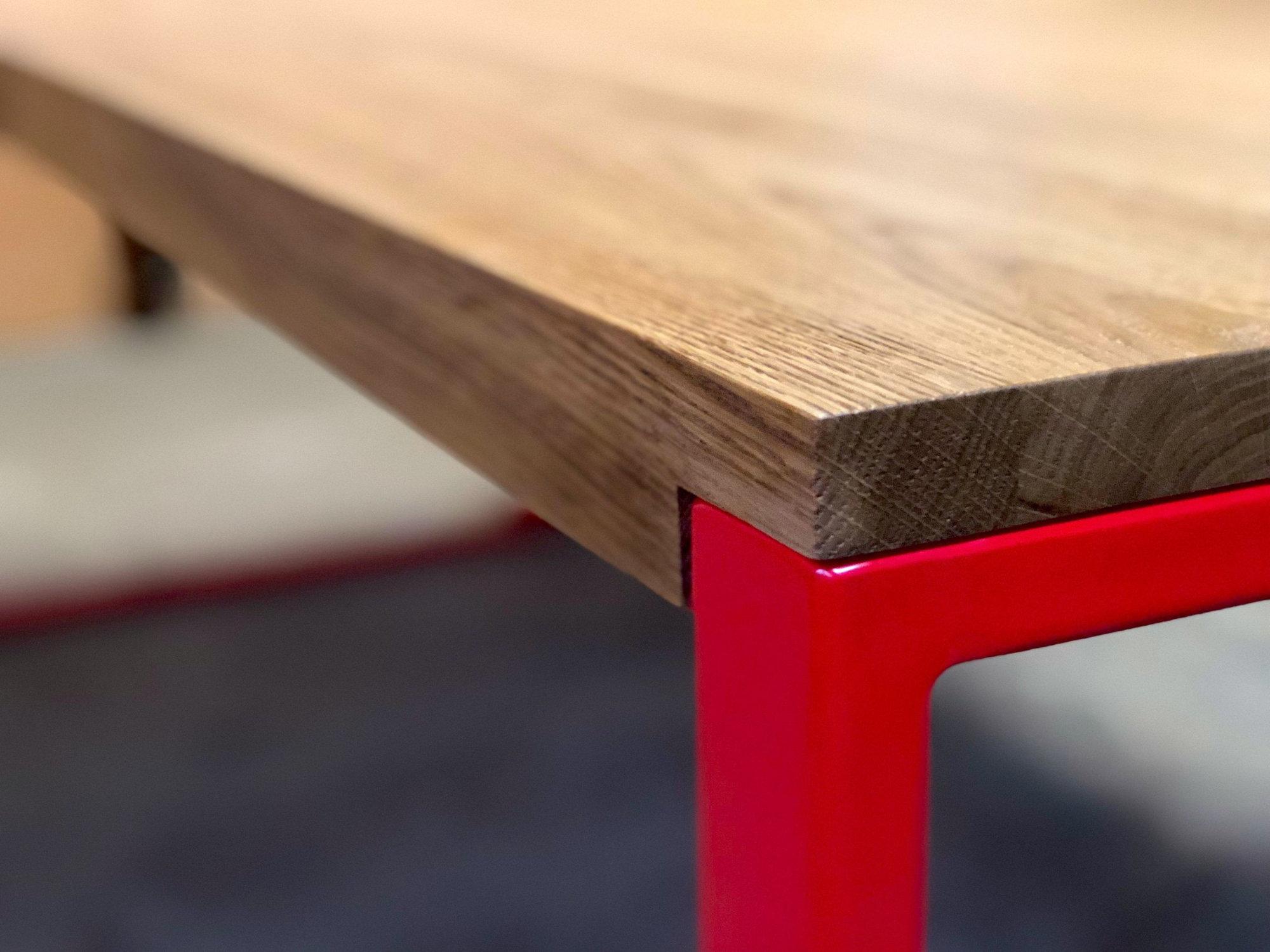 Main_RED FOREST moderner Esstisch mit rotem Gestell