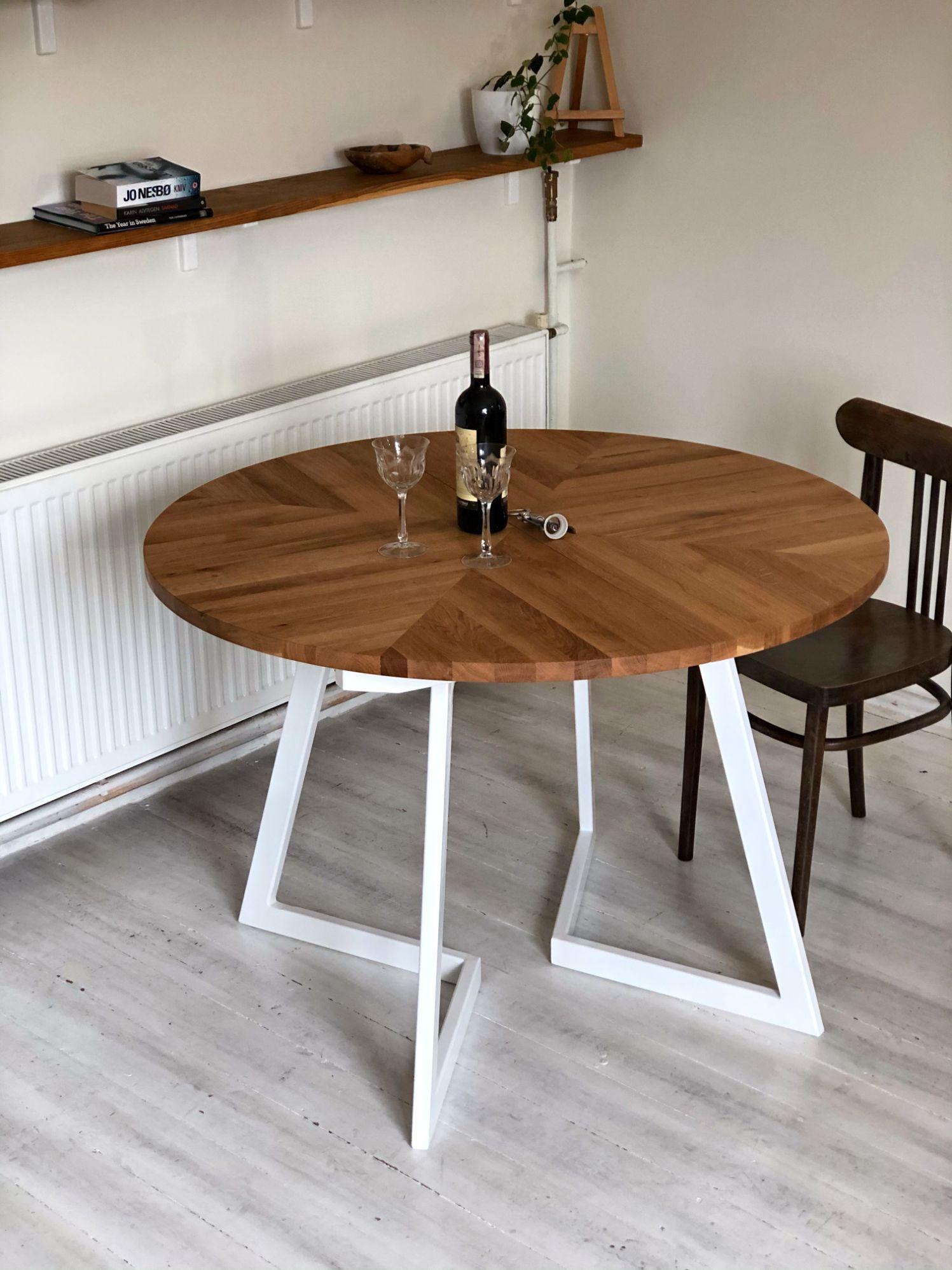 1_MAIN_-modern-round-solid-oak-extendable-table.jpg
